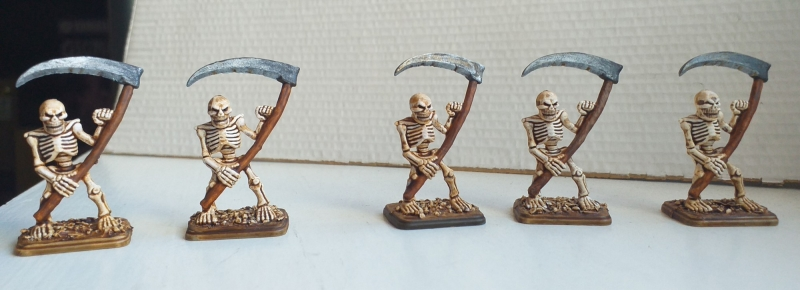 scheletri_fronte.thumb.jpg.46f67e87d390b96991855ddf3434877c.jpg